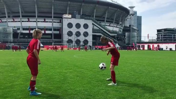 <p>‪Balcontrole bij de meiden uit Noorwegen ⚽️&nbsp;Ball control from the Norwegian girls ⚽️</p>