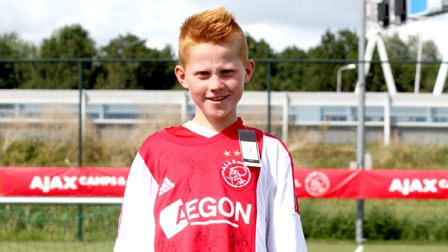 Kjell (8) winner signed Ajax jersey